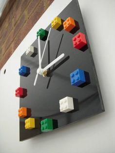 diy projekte aus lego steinen wanduhr