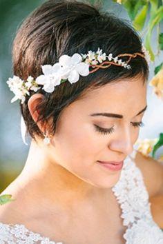 coiffure mariage cheveux court 2012