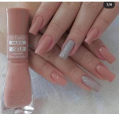 The best 10 nail art tips – Uñas - NailiDeasTrends Gold Acrylic Nails, Simple Acrylic Nails, Acrylic Nail Designs, Simple Nails, Classy Nails, Stylish Nails, Trendy Nails, Nails Now, Gel Nails