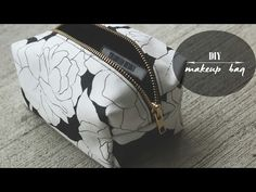 DIY: Makeup Bag - YouTube