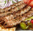 Κεμπάπ το Πολίτικο Best Greek Food, Food Plus, Greek Cooking, Food Tasting, Greek Recipes, Carne, Sausage, Bacon, Grilling