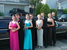 Have an amazing prom night with your friends by using our affordable limos in Sacramento. Our limousines are driven by professional chauffeurs,who provide pick-ups and drop-offs to and from prom venue.
