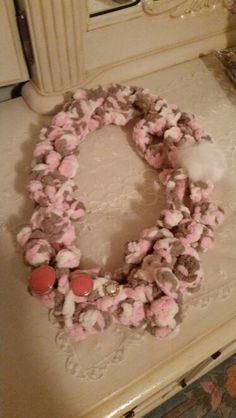 Necklace made with wool and button
