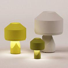 """""""Dot"""" est une famille de lampes à poser aux formes simples, imaginée par Samuel Accoceberry pour Marcel By. Réalisées en céramique, celles-ci se déclinent en trois tailles et en différentes couleurs."""
