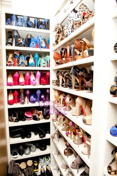 Khloe Kardashian - Design photos, ideas and inspiration. Amazing gallery of interior design and decorating ideas of Khloe Kardashian in bedrooms, closets, bathrooms, kitchens by elite interior designers. Dream Shoes, Crazy Shoes, Me Too Shoes, Fancy Shoes, Khloe Kardashian Closet, Kardashian Style, Kardashian Jenner, Stuffed Animals, Build A Shoe Rack