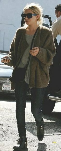 Ashley Olsen in an oversized sweater and skinnies. Love the Comfy look