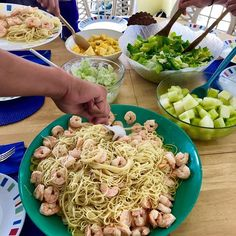 Beach vacay eating. Cooking for 12 has its challenges especially when youre not in your own kitchen. I like to keep things simple with lots of fresh and local produce and seafood. #cleaneating #nutrientdense #beachvacay #seafood #shrimpscampi