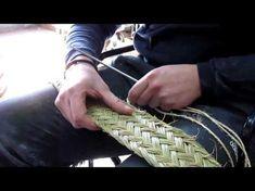 Basket Bag, Weaving Patterns, Weaving Techniques, Basket Weaving, Handmade Crafts, Arts And Crafts, Geek Stuff, Knitting, How To Make