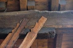 HAUSFORSCHER unterwegs: Holzbau-Highlights: Zwei Kirchen und noch zwei…