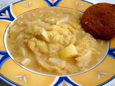 Kelkáposzta főzelék recept II. Hungarian Cuisine, Hungarian Recipes, Hungarian Food, Cabbage Soup Recipes, Vegetarian Cabbage, Main Dishes, Food And Drink, Healthy Recipes, Healthy Foods
