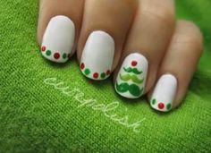 Nail Art Natale 2013: come fare l'albero di Natale!