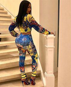 Curvy Women Fashion, Womens Fashion, Casual Elegant Style, Church Clothes, Samurai Art, Bodycon Fashion, Women Sleeve, Moma, Long Pants