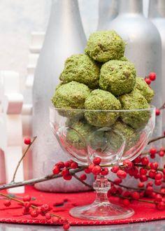 Vegan & Gluten-free Spinach Balls Recipe   VeganFamilyRecipes.com   #healthy #nogluten #appetizer #eatclean