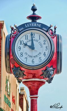 Luverne Ala. Clock by T.A.Pennington, via Flickr   ..rh