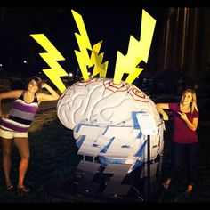 Love this photo op. Take your photo with the giant brains this summer in Bloomington!