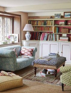 This dreamy Sussex cottage experiments with bold patterns and prints perfectly -. - This dreamy Sussex cottage experiments with bold patterns and prints perfectly – # - Cottage Living Rooms, My Living Room, Living Spaces, English Living Rooms, Country Living Room Rustic, Cottage Lounge, Cozy Cottage, Cottage Homes, Apartment Living