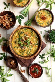 Tinutuan / bubur manado : rice-vegetable manadonese porridge
