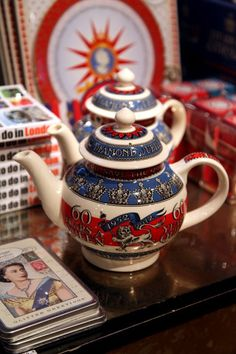 Diamond Jubilee teapot by Emma Bridgewater. Check out her site for more amazing Jubilee pottery!