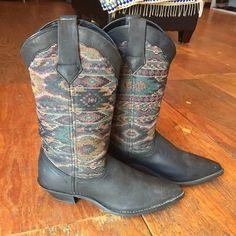 Dingo Black Southwestern Cowboy Boots 7 Never worn! Shoes