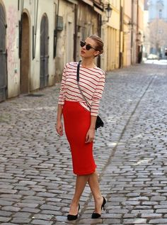 8f1a7c4fd4 3652482_img_4879 Warm Weather Outfits, Red Skirts, Skirt Fashion, Fashion  Outfits, Grey Turtleneck