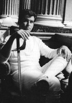Pierce brosnan in die another day Pierce Brosnan 007, Beautiful Celebrities, Beautiful Men, Actor James, Judi Dench, James Bond Movies, Cute Guys, Cute Couples, Actors & Actresses