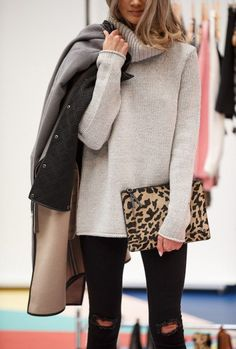 Camel and beige tones...and black...go so well with the animal print accessories JosefinDahlberg_Inspiration_7