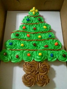 Christmas tree pull apart cake!