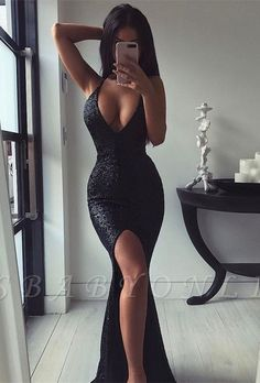 Prom Dress Beautiful, 2019 Hot Black Sequins Mermaid Prom Dresses Halter With Slit Open Back, Discover your dream prom dress. Our collection features affordable prom dresses, chiffon prom gowns, sexy formal gowns and more. Find your 2020 prom dress Cheap Black Prom Dresses, Split Prom Dresses, Cute Prom Dresses, Prom Outfits, Mermaid Prom Dresses, Mode Outfits, Ball Dresses, Formal Dresses, Formal Wear