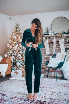 The Perfect Holiday Party Looks   The Girl In The Yellow Dress   Holiday Jumpsuit   Green Jumpsuit   Holiday Looks   Holiday Style   December   Revolve   @Revolve #thegirlintheyellowdress #holiday #jumpsuit #fashion #winterfashion #style #holidayparty