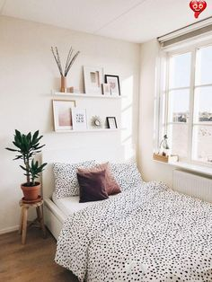 Best Indoor Garden Ideas for 2020 - Modern  <br> Best Indoor Garden Ideas for 2020 The number of internet users who are looking for indoor garden ideas is increasing every single day. In case you are one of these internet users, then you are going to love the information we provided in this article. Without a doubt, you are going to find plenty of … Home Interior, Interior Design, Interior Stylist, Interior Paint, Modern Interior, Apartment Bedroom Decor, Ikea Bedroom, Bedroom Furniture, Bedroom Storage