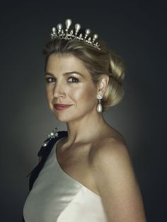 Queen Maxima of the Netherlands, then Princess Maxima, wears the Antique Pearl Tiara in an official portrait taken by Erwin Olaf to mark her birthday, 2011 Erwin Olaf, Royal Crowns, Royal Tiaras, Tiaras And Crowns, Megan Hess, Hollywood Fashion, Royal Fashion, Adele, Dutch Queen
