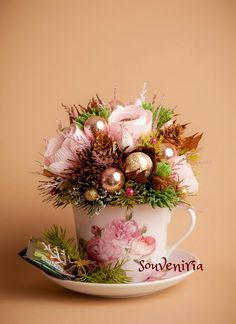 Great idea for Christmas! It is the perfect gift to honour your child's teacher or your special tea lover. The bouquet is a beautiful and tasty addition to the tea cup duo. The composition in…