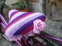Crochet bike seat. Heather I want one :)