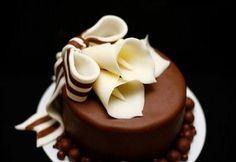Decorazioni dolci: cioccolato plastico senza glucosio