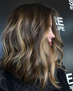 Are you going to balayage hair for the first time and know nothing about this technique? We've gathered everything you need to know about balayage, check! Balayage Hair Blonde, Ombre Hair, Short Bob Hairstyles, Pretty Hairstyles, Hairstyle Ideas, Braided Hairstyle, Hair Highlights, Gorgeous Hair, Hair Looks