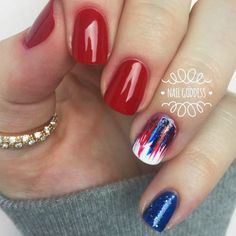 Amazing Nail Designs to Celebrate the of July picture 6 ★ Use these of July nails ideas to be patriotic from head to toes. Guests at your party will be amazed. Our photo gallery has suggestions for everyone. July 4th Nails Designs, 4th Of July Nails, Diy Nail Designs, Art Designs, Patriotic Nails, Dipped Nails, Nagel Gel, Holiday Nails, Perfect Nails