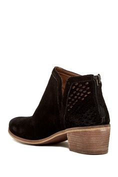 fe315e311a18 Introducing Stitch Fix Shoes  Ankle Booties