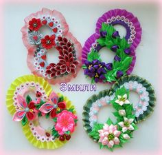 (48) Одноклассники Ribbon Crafts, Fabric Crafts, Diy Craft Projects, Projects To Try, Kanzashi Flowers, Mothers Day Crafts, Ribbon Work, Rakhi, Paper Quilling