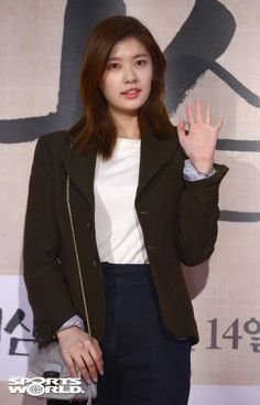Young Actresses, Hollywood Actresses, Baek Seung Jo, Korean Drama Series, Playful Kiss, Jung So Min, Kdrama, All About Time, Moon