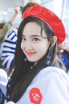 Twice - Nayeon Kpop Girl Groups, Korean Girl Groups, Kpop Girls, Warner Music, Twice Once, Nayeon Twice, Twice Kpop, Im Nayeon, Dahyun