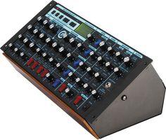 Image: Moog Minimoog Voyager Synthesizer Rack Mount Edition
