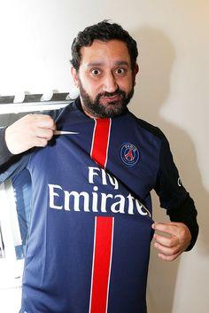 cyril hanouna supports the paris saint germain