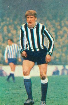 Wyn Davies of Newcastle Utd in Newcastle United Fc, 1960s, Men Sweater, The Unit, Football, Legends, Sweaters, Futbol, American Football