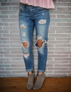 Destroyed Boyfriend Jeans and booties