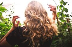 Huiles essentielles pour prendre soin de ses cheveux : conseils