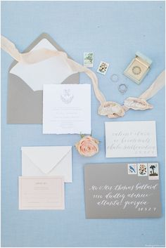 This coastal invitation suite was inspirted by the lowcountry marshes of the South.  A Lowcountry wedding at Oldfield Plantation. Images by Lindsey LaRue.