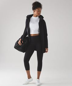 Zip up this warm yet breathable hooded jacket when you're going places after practice. Sporty Look, Sporty Style, Outerwear Women, Outerwear Jackets, Cozy Fashion, Sporty Fashion, Athletic Outfits, Athletic Clothes, Girls Leggings