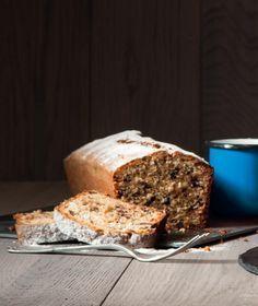 Κέικ με φουντούκια και σοκολάτα γάλακτος Sweet Recipes, Cake Recipes, Dessert Recipes, Desserts, Cake Cookies, Cupcake Cakes, Cupcakes, Greek Cooking, Greek Dishes