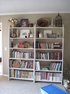 I have to paint my Leksvik shelves. Ikea Leksvik, Bookshelves, Bookcase, Painting Ikea Furniture, Bookshelf Organization, Ikea Shopping, Upcycled Furniture, Shelving, Sweet Home