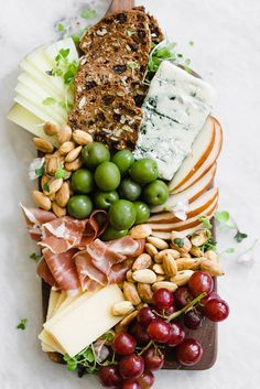 This Date Night Cheese Board for Two is an instant way to class up your night in. So cozy up to your bf, gf, or bff and get a cheese-ing! Grape Recipes, Veg Recipes, Salmon Recipes, Snack Recipes, Cheese Recipes, Gluten Free Recipes, Cheese Boards, Antipasti Platter, Meat Platter
